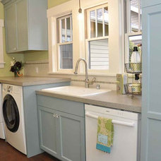 Craftsman Laundry Room by MRF Construction, Inc.