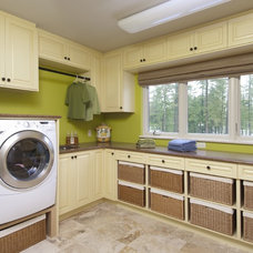 Traditional Laundry Room by Laurysen Kitchens Ltd.