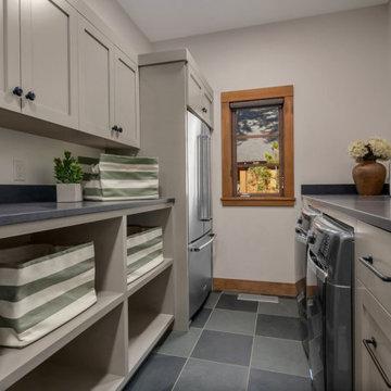 Cascade Mountain Home: Laundry Room
