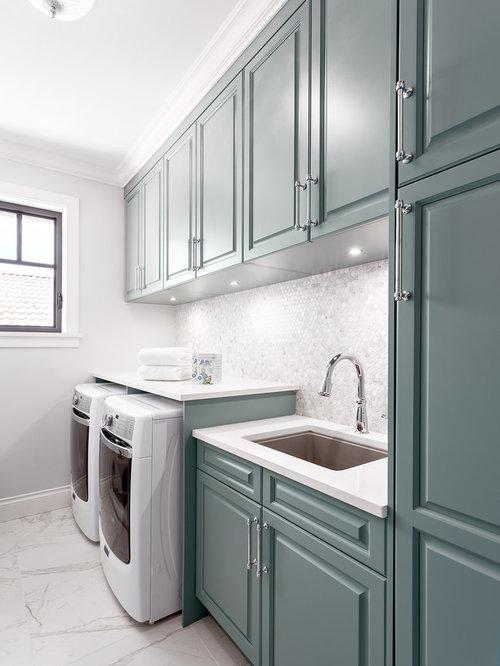 hauswirtschaftsraum mit t rkisfarbenen schr nken ideen design bilder houzz. Black Bedroom Furniture Sets. Home Design Ideas