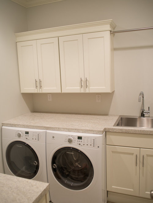 Best 25 Beach Style Laundry Room with a Single-Bowl Sink Ideas | Houzz