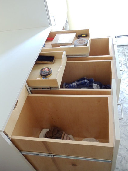 Traditional Laundry Room by crazy closets