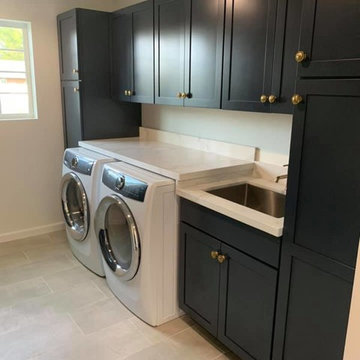 Custom Laundry & Mud Room