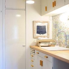Eclectic Laundry Room by Kootut murut