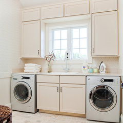 traditional laundry room by Dream House Studios