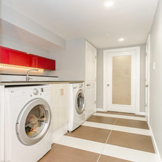 Modern Laundry Room by White Sand Properties, LLC.