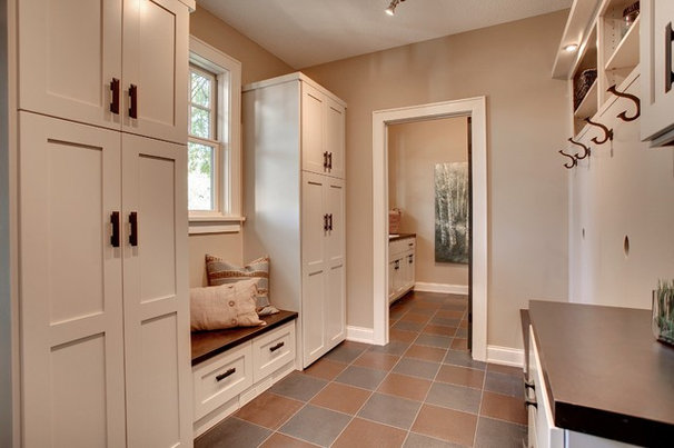 Contemporary Laundry Room by Bruce Knutson Architects