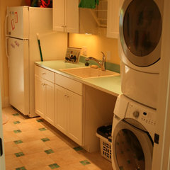 traditional laundry room by Tongue & Groove