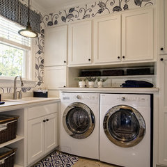 eclectic laundry room by Farinelli Construction Inc