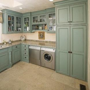 Inspiration för ett lantligt grovkök, med en undermonterad diskho, släta luckor, turkosa skåp och en tvättmaskin och torktumlare bredvid varandra
