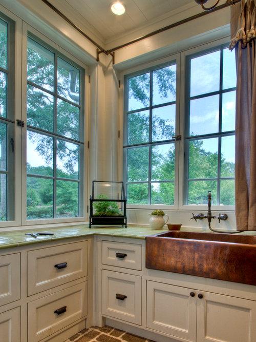 Farmhouse Laundry Room Design Ideas, Remodels & Photos