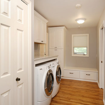 Grand Rapids Family Kitchen & Laundry Room