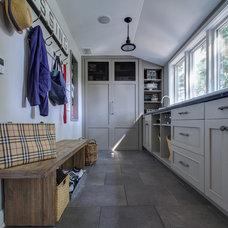 Traditional Laundry Room by Focus-Pocus