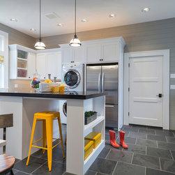 Terra-cotta Tile Floor Laundry Room Design Ideas, Pictures, Remodel