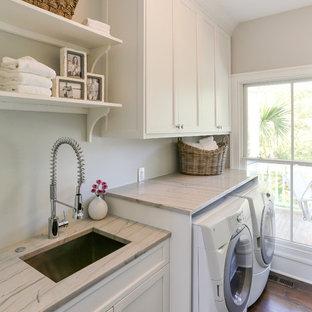 Idee per una lavanderia classica con lavello sottopiano