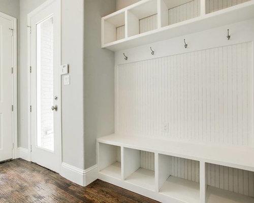 minimalist laundry room photo in dallas