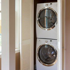 Traditional Laundry Room by Feinmann, Inc.