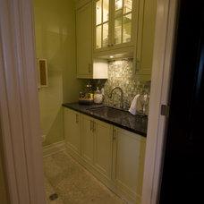Contemporary Kitchen by Jennifer Brouwer (Jennifer Brouwer Design Inc)