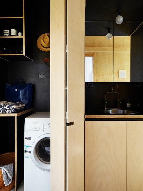 buanderie lin aire avec des portes de placard en bois clair photos et id es d co de buanderies. Black Bedroom Furniture Sets. Home Design Ideas