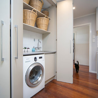 Kitchen & Laundry