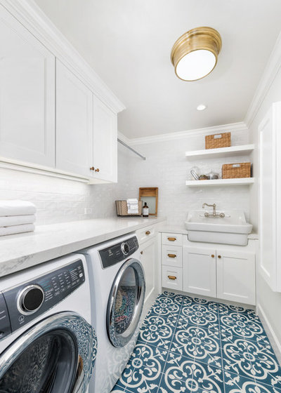 Farmhouse Laundry Room by In the Deets