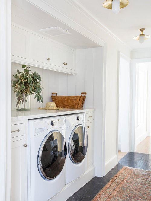 Best 70 laundry closet ideas photos houzz for Laundry room connected to master closet