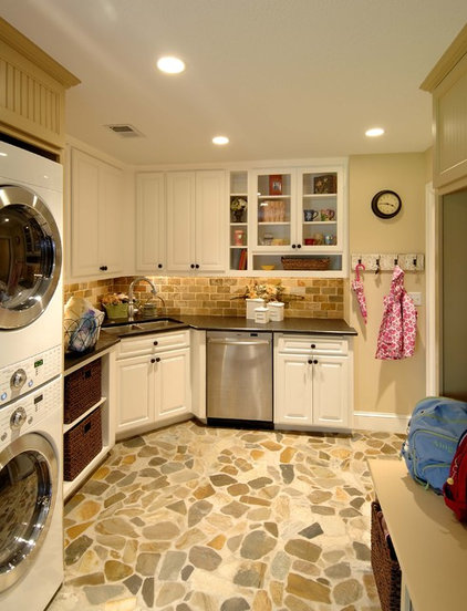 laundry room by Lake Country Builders