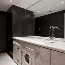 Contemporary Laundry Room by Dee by design Pty Ltd