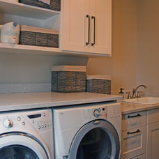 Modern Laundry Room by Kipnis Architecture + Planning