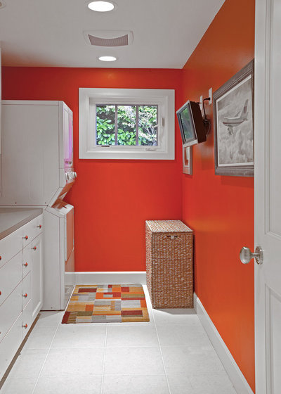 Laundry Room by 4R Builders, LLC.