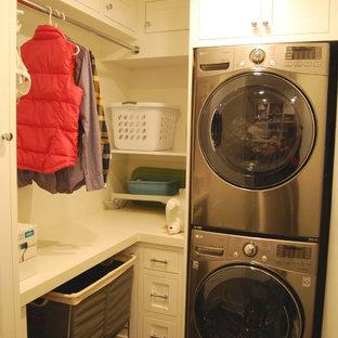 Inredning av en medelhavsstil tvättstuga