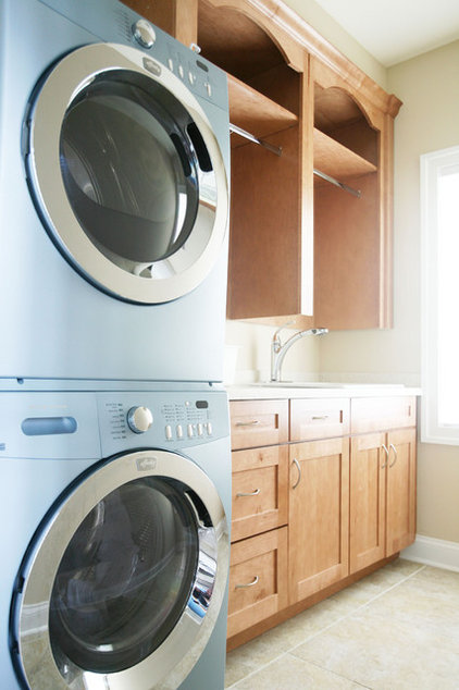 laundry room by Echelon Custom Homes