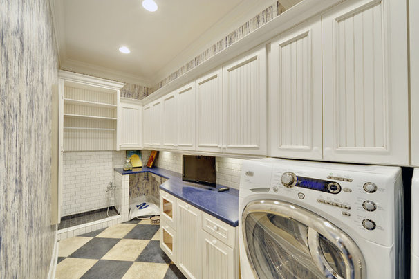 Beach Style Laundry Room by Echelon Custom Homes