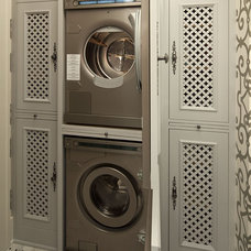 Traditional Laundry Room by Hendel Homes