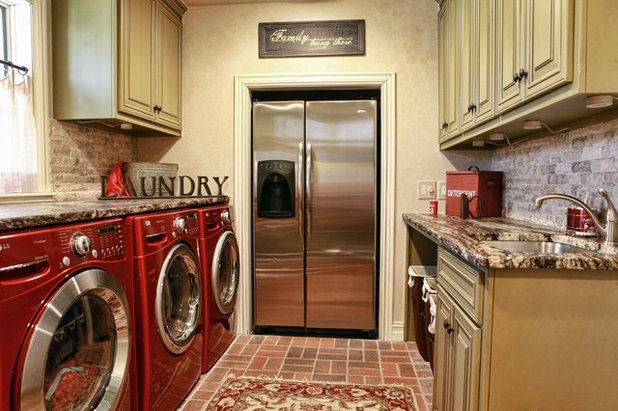 Traditional Laundry Room by Home Innovations