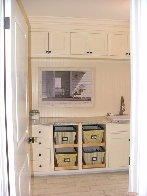 Best Farmhouse Laundry Room with Yellow Cabinets Design Ideas & Remodel Pictures | Houzz