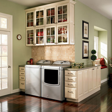 Laundry Room in Winchester Painted Silk