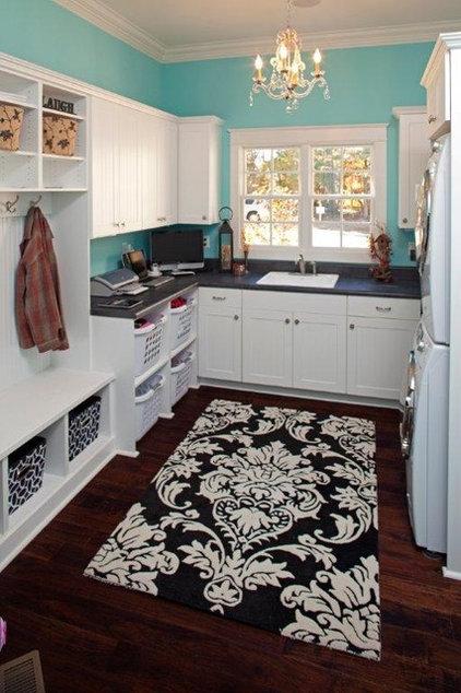 Contemporary Laundry Room Laundry room/Mudroom
