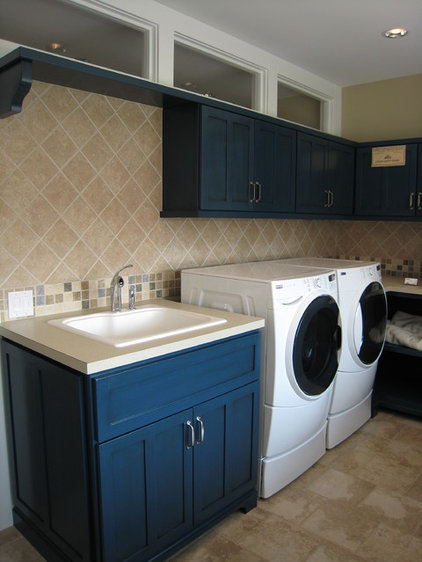 Farmhouse Laundry Room by New Urban Home Builders