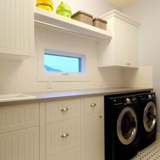 laundry room by Veranda Estate Homes & Interiors