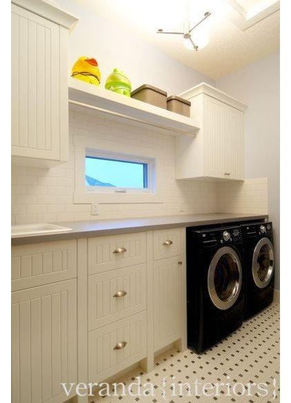Laundry Room by Veranda Estate Homes & Interiors