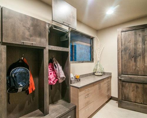 hauswirtschaftsraum mit glas arbeitsplatte und. Black Bedroom Furniture Sets. Home Design Ideas