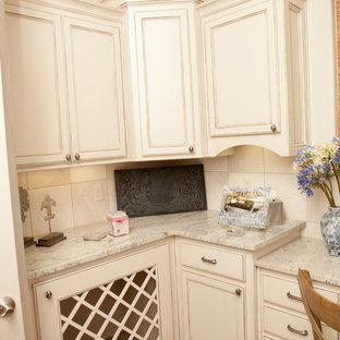 Idee per una grande sala lavanderia chic con ante a filo, ante bianche, top in granito, pareti bianche, lavatrice e asciugatrice affiancate, top multicolore, pavimento in vinile e pavimento multicolore
