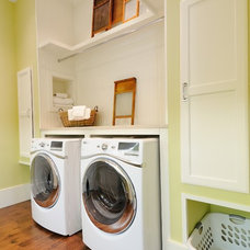 Traditional Laundry Room by CR Home Design K&B (Construction Resources)