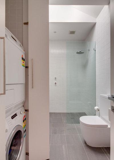 Modern Laundry Room by Angus Mackenzie Architect