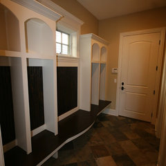 laundry room by Matthies Builders