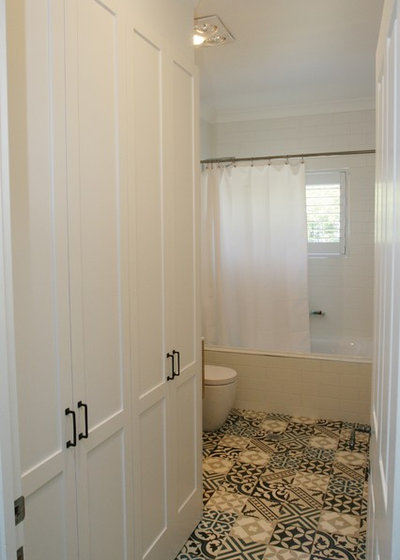 Shabby-Chic Style Laundry Room by Blakes of Sydney