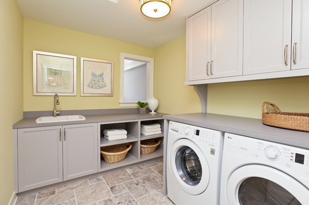 Modern Laundry Room by REFINED LLC
