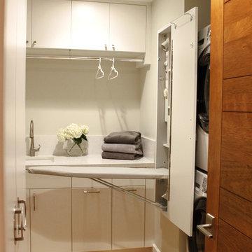 Modern Seaside Laundry Room
