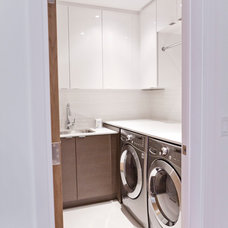 Modern Laundry Room by BiglarKinyan Design Planning Inc.